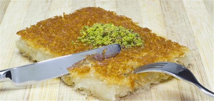 طريقة عمل الكنافة الكذابة بالقشطة لحلويات سريعة في رمضان