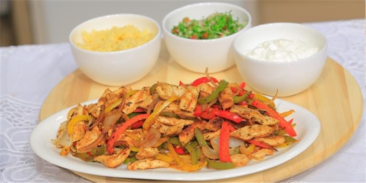 منيو غداء اليوم فاهيتا الدجاج الشهية