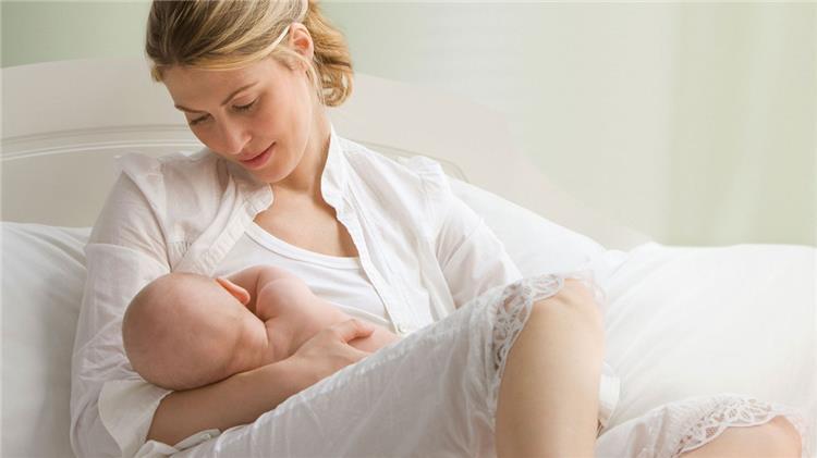 3 خرافات عن الرضاعة الطبيعية لا تصدقيها