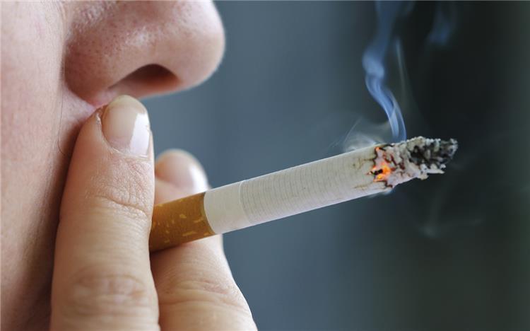 اضرار التدخين أبرزها السرطان والشيخوخة