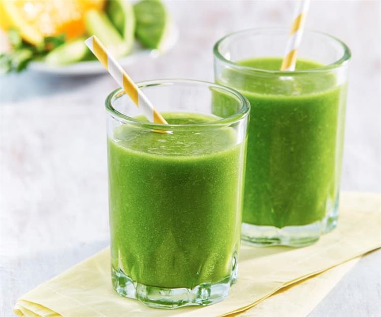فوائد العصير الأخضر للبشره