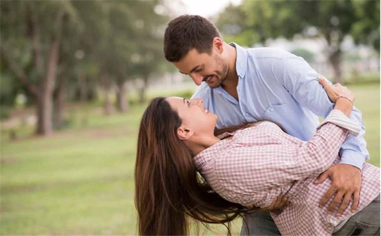 كيفية تجديد مشاعر الحب بين المتزوجين