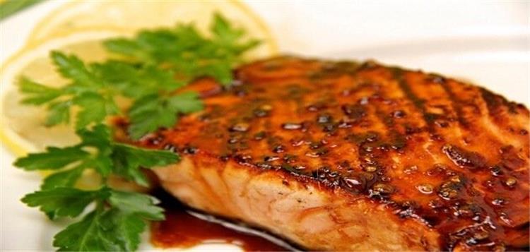 طريقة طبخ سمك السلمون بالصويا صوص في الفرن