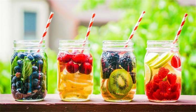 6 وصفات لمشروبات ديتوكس للتمتع بالنشاط واستعادة التوازن