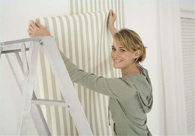 كيفية تركيب ورق الجدران على البوية