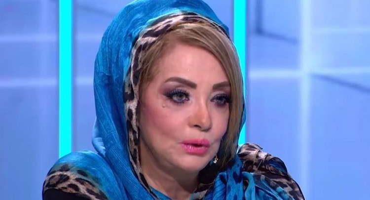 شهيرة تظهر في عزاء ماجدة الصباحي بدون حجاب