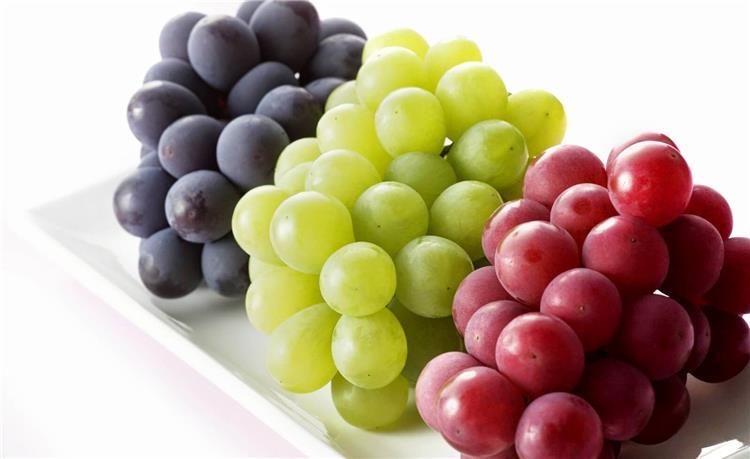ماذا يفعل تناول العنب في الجسم