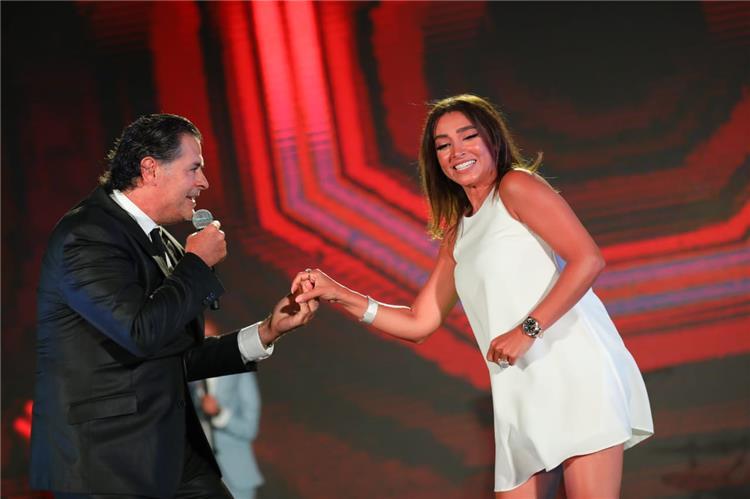 روجينا ترد لأول مرة على منتقدي رقصها مع راغب علامة وتكشف حقيقة تعرضها لمشاكل مع أشرف زكي