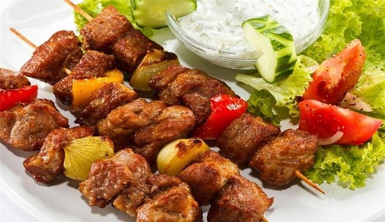 منيو غداء اليوم أكلة كباب مشوي وطحينة مثل المطاعم