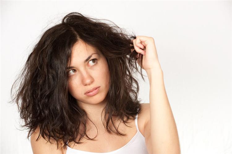 ماسك زيت الزيتون وجوز الهند لعلاج مشاكل الشعر الجاف
