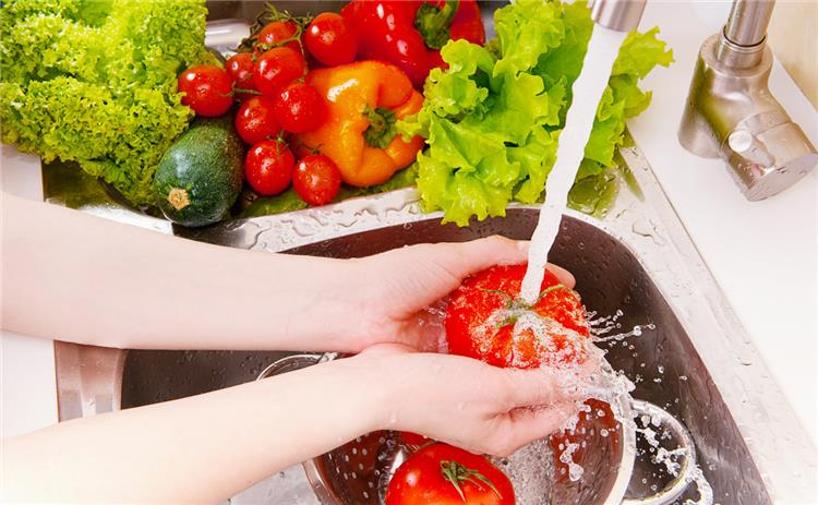 كيفية التخلص من المواد الكيماوية في الطعام