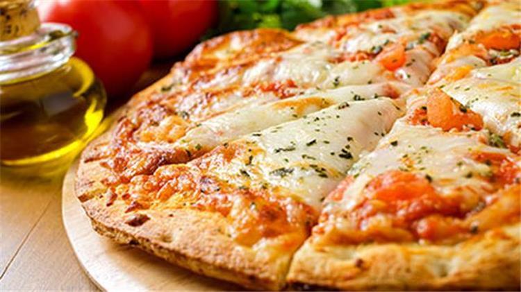 طريقة عمل البيتزا المشكل جبن