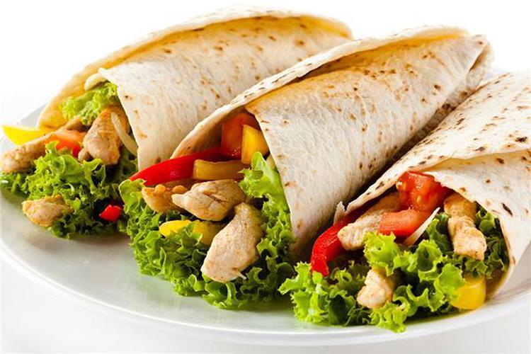 4 طرق لتحضير الشاورما اللحم والدجاج بطعم يشبه المحلات