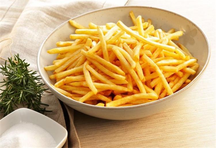 3 طرق لتفريز البطاطس والاستمتاع بمذاقها المقرمش
