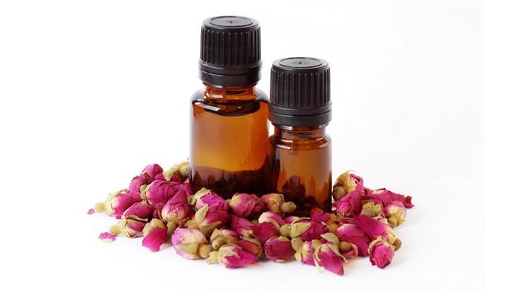15 فائدة لزيت الورد على الجسم والبشرة والشعر الاسترخاء والتعطير والتنعيم