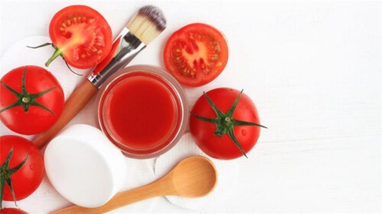 هل يمكنك استخدام الطماطم للعناية ببشرتك