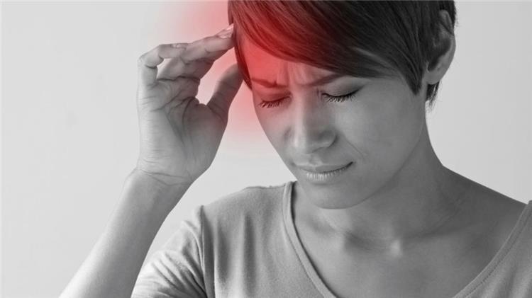 8 أطعمة تسبب الصداع النصفي احذري منها