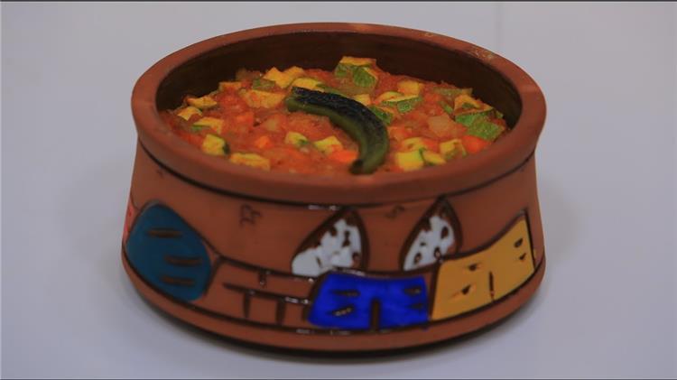 منيو غداء اليوم طريقة عمل طاجن لسان العصفور بالخضار وسلطة البطاطس