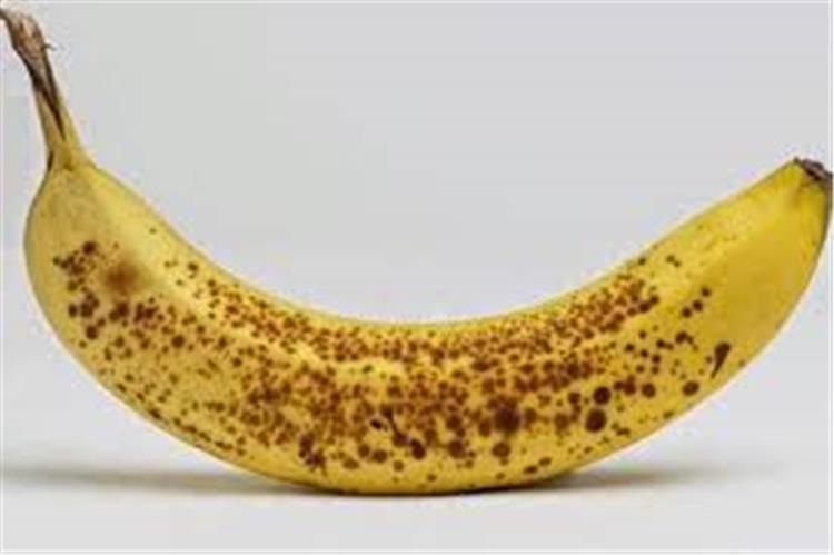 ماذا يفعل الموز الاسود بأجسامنا بعد تناوله