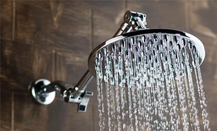 طريقة تنظيف رأس دش الاستحمام