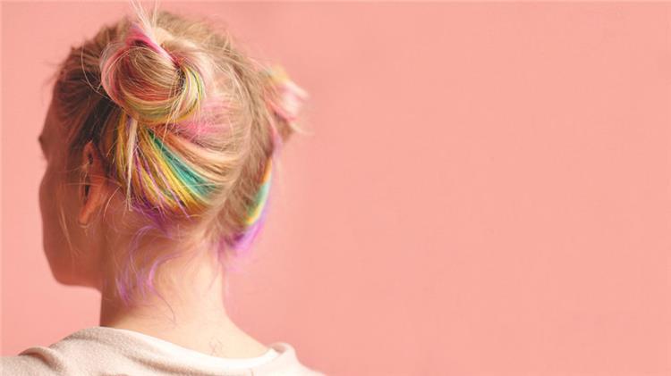 هل صبغة الشعر تضر الحامل في الشهر الثامن