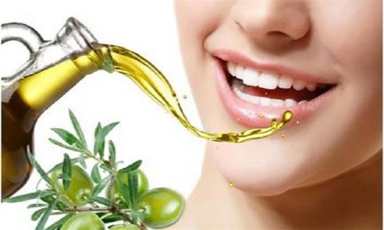 فوائد زيت الزيتون لصحة الاسنان