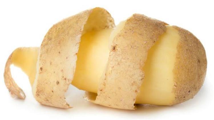 فوائد قشر البطاطس للبشرة والشعر والصحة العامة