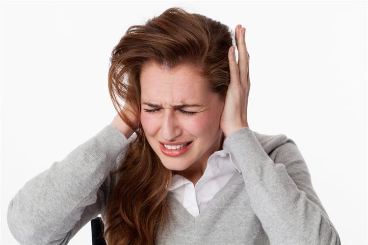 أصوات يصدرها الجسم تدل على إصابتك بأمراض خطيرة انتبهي