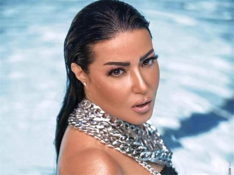 سمية الخشاب ترد لأول مرة على وقف مسلسلها مع محمد رمضان ماذا قالت