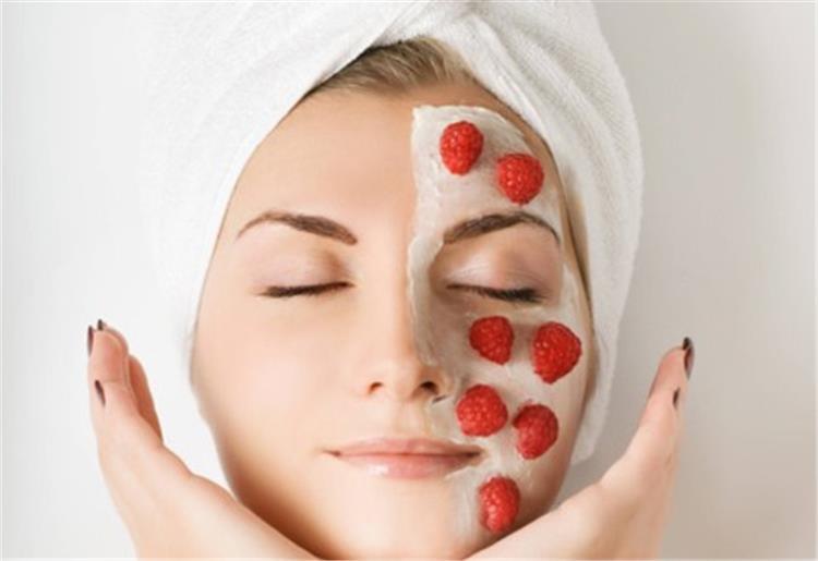 ماسك الفراولة لعلاج جفاف بشرتك في رمضان