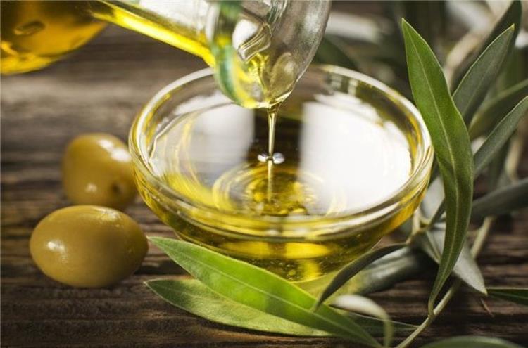 فوائد زيت الزيتون للتخسيس وفقد الوزن الزائد