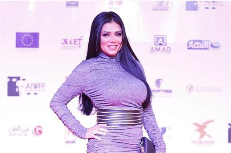 برسالة وفستان جريء رانيا يوسف تحدث ضجة بمواقع التواصل الاجتماعي ع ش حياتك بالطريقة التي تريدها