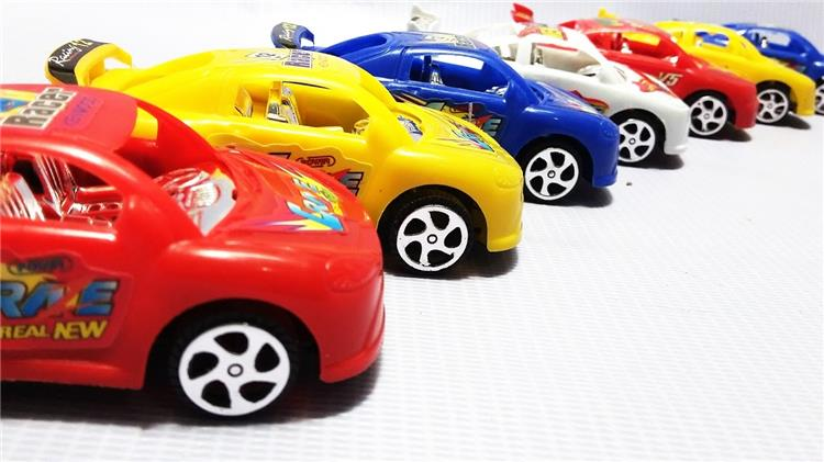 بالصور اختاري لطفلك هدية رائعة من السيارات الملونة