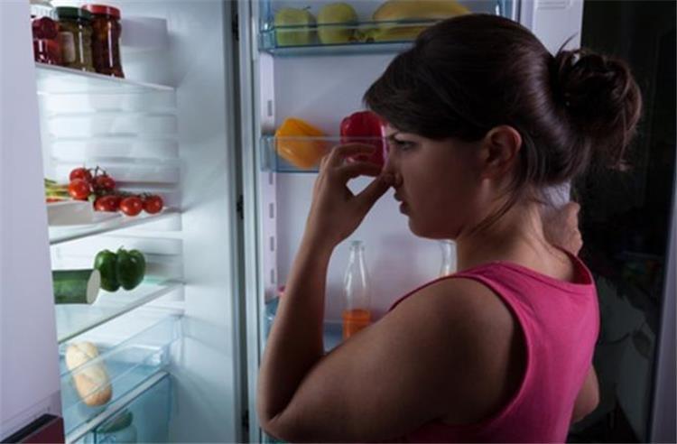 9 مكونات طبيعية متوافرة في بيتك تخلصك من روائح الثلاجة