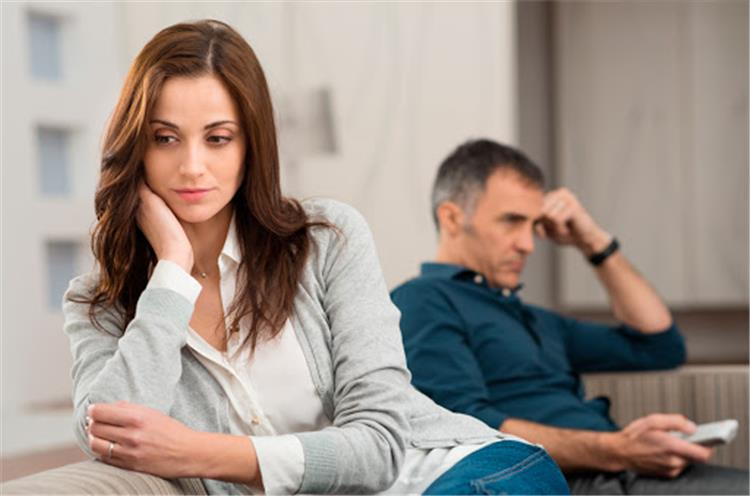 كيفية تعزيز الحياة الزوجية في فترة الحجر المنزلي بدون خناق