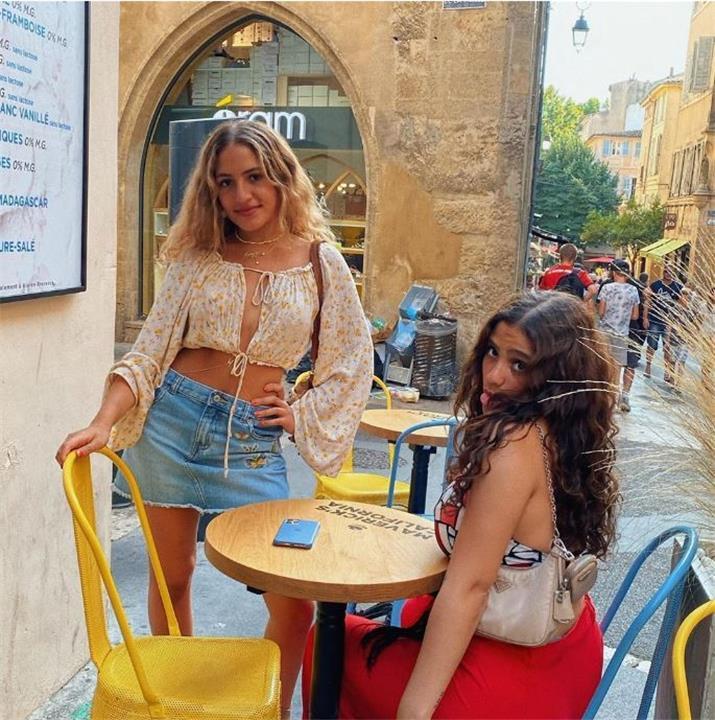 ابنتا عمرو دياب تعاندان والدتهما والسبب دينا الشربيني ماذا حدث