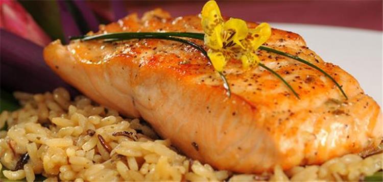 منيو غداء اليوم أكلة سمك فيليه مع الأرز الصيادية