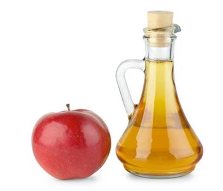 فوائد خل التفاح في العناية بالبشرة