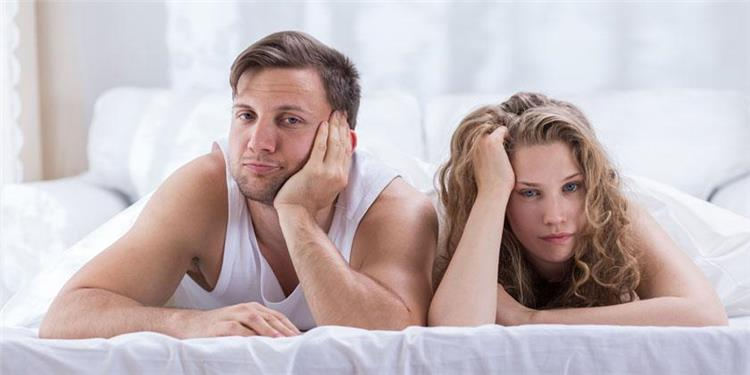 انخفاض الرغبة الجنسية عند النساء الأسباب والعلاج