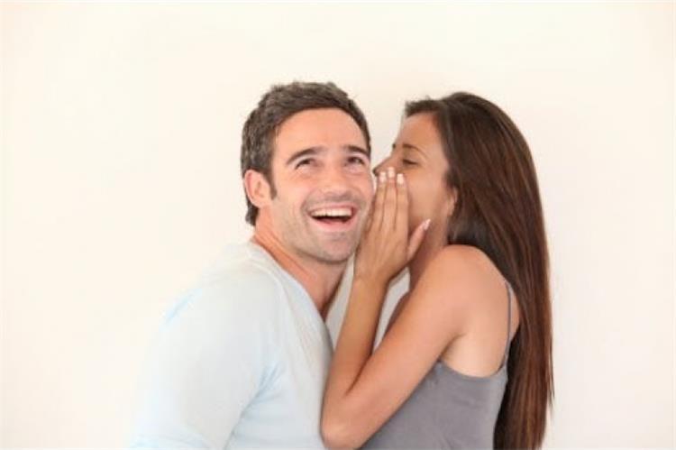 7 عبارات سحرية يعشق سماعها الرجال