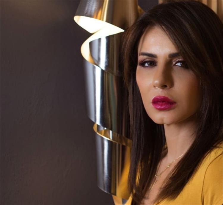 نجلاء بدر تنشر فيديو نادر لها في طفولتها مع هذا الفنان الشهير