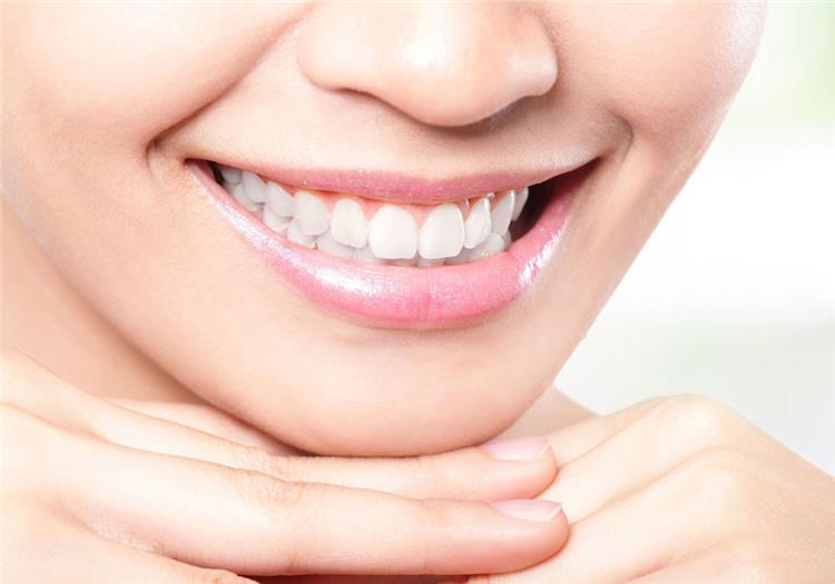تبييض الأسنان بالخميرة الفورية في دقائق