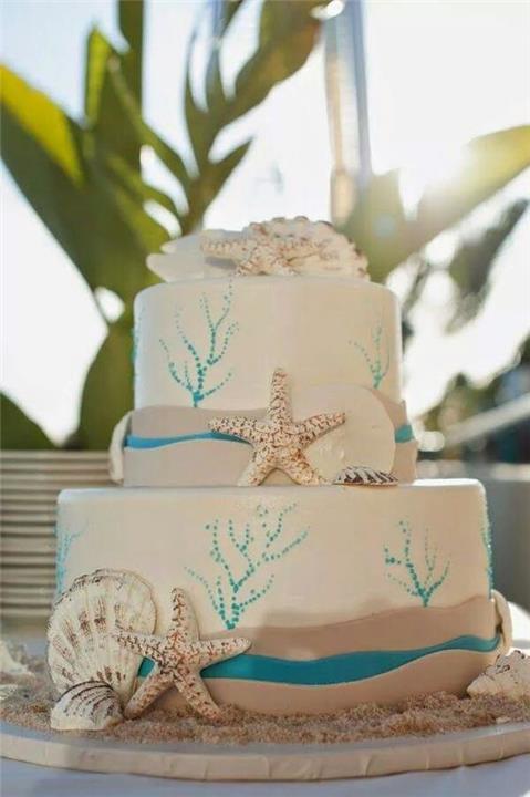 أفكار مناسبة ورائعة لتورتة حفل زفاف على البحر
