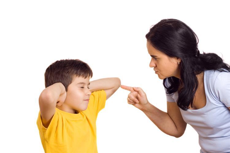 9 عبارات تجنبي قولها لطفلك