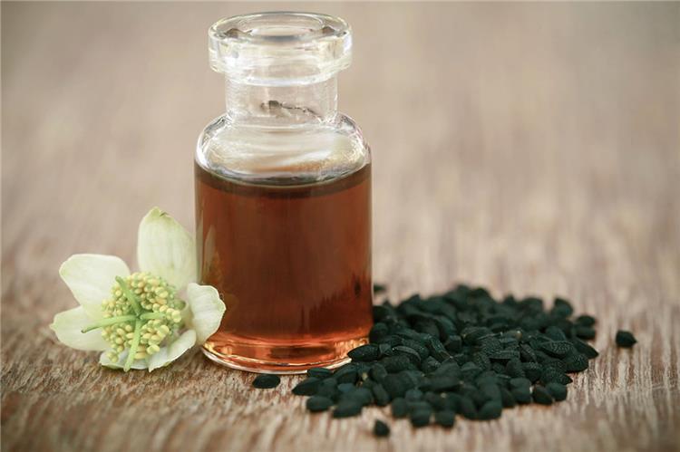 كيفية استخدام زيت حبة البركة للبشرة
