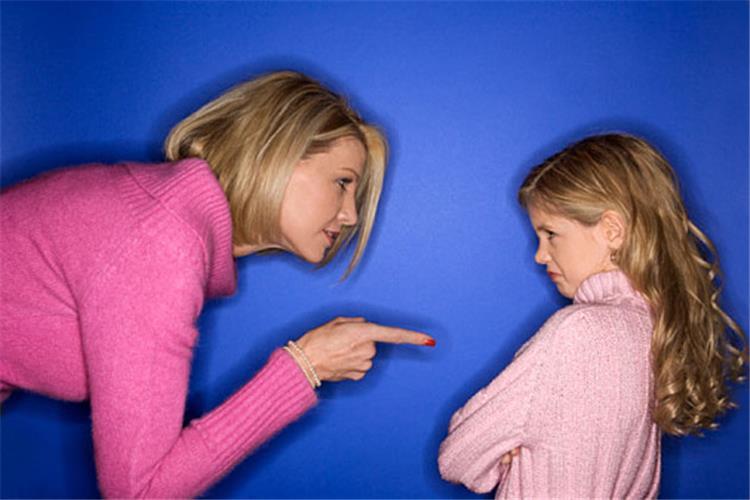 كيفية التعامل مع الطفل الذي يسب ويشتم