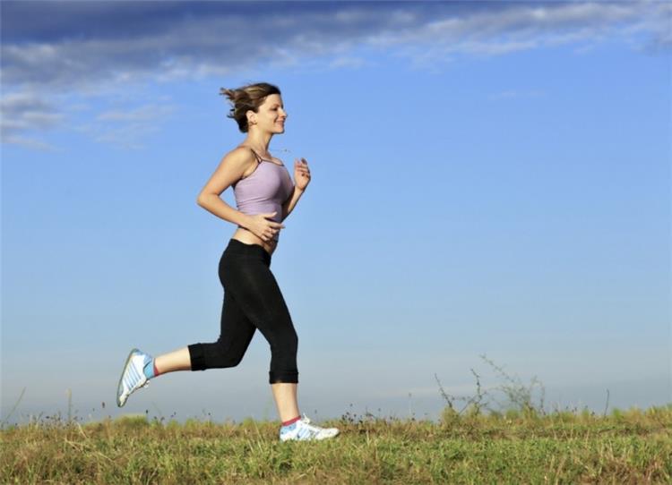 عادات خاطئة توقفي عن ارتكابها قبل ممارسة الجري
