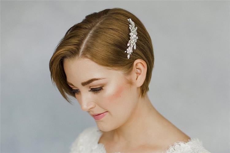 تسريحات رائعة تناسب العروس ذات الشعر القصير