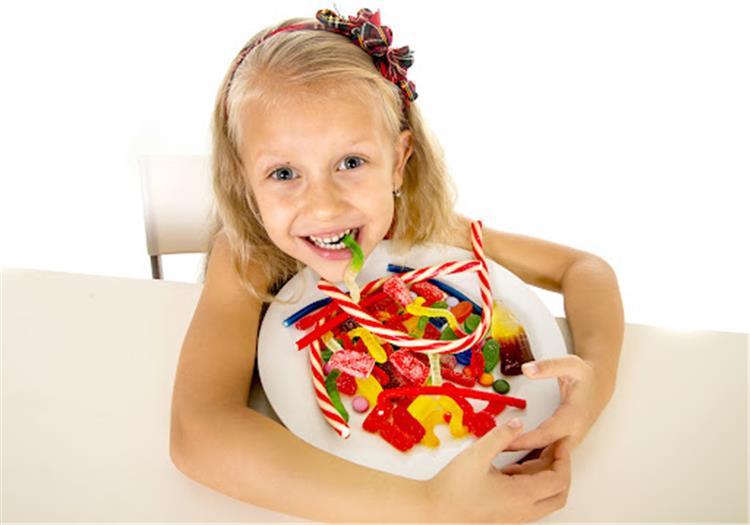 5 نصائح للتحكم في رغبة الأطفال بتناول الحلويات