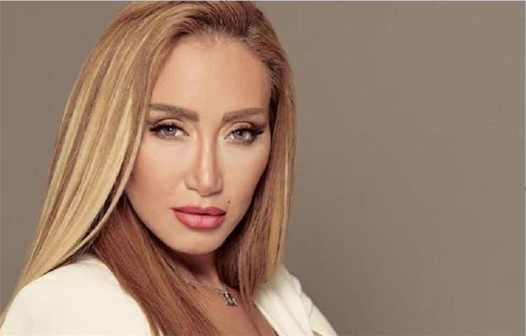 ريهام سعيد تجمع تبرعات وتطلب إنقاذ حياة هذا الفنان